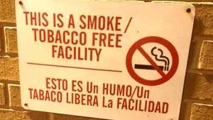 translating spanish wrong smoke free sign